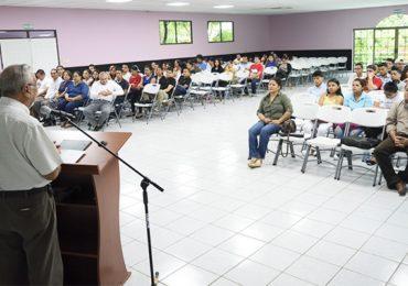 Rector dirige Acto de Bienvenida a estudiantes de nuevo ingreso del Campus Central del turno dominical