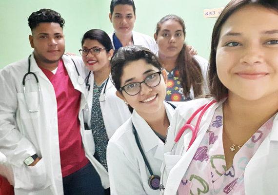 Clases de Salud y Comunidad – Estudiantes de Medicina y Cirugía, Campus Doral